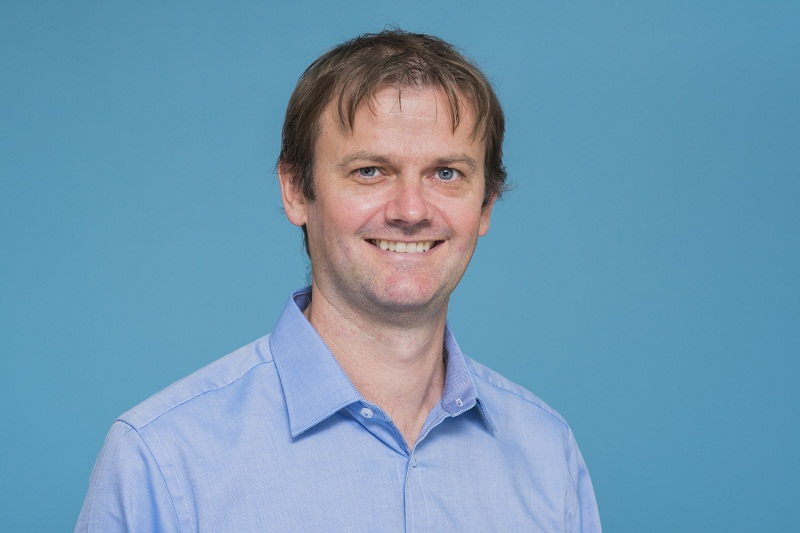 Dr Jon Kerr is the prinicipal dentists at Sunshine Coast Smile Centre